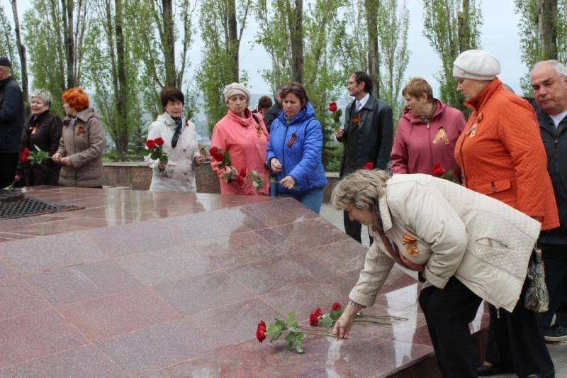 Ветераны Балаковской АЭС посетили парк Победы в г.Саратове_result (10).JPG