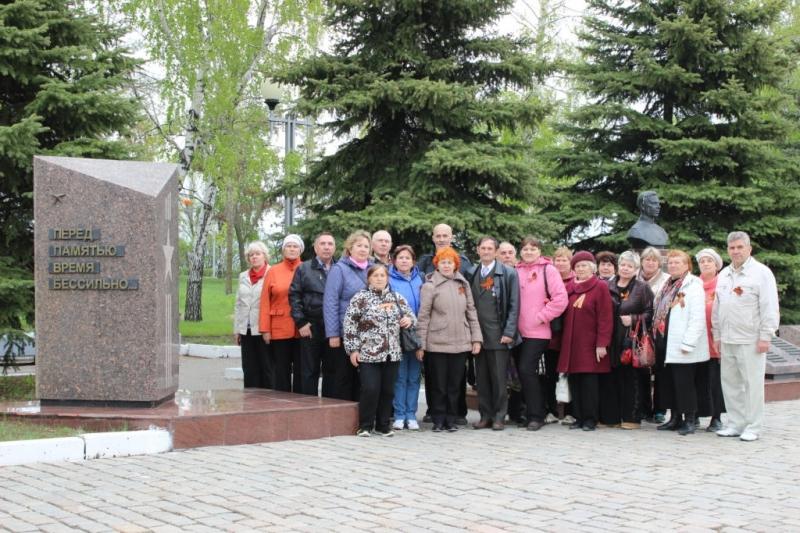 Ветераны Балаковской АЭС посетили парк Победы в г.Саратове_result (14).JPG