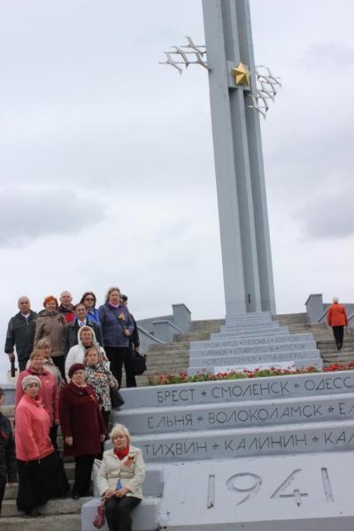 Ветераны Балаковской АЭС посетили парк Победы в г.Саратове_result (16).JPG