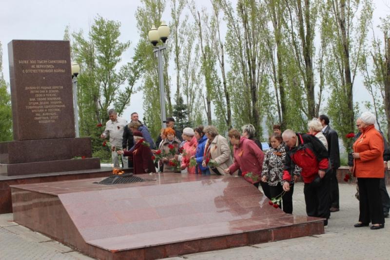 Ветераны Балаковской АЭС посетили парк Победы в г.Саратове_result (8).JPG