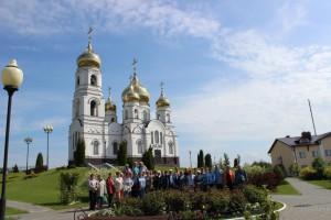 По пути домой, наши ветераны посетили Иоанновский женский монастырь в п. Алексеевка