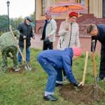 Храм посадка деревьев у Храма (Давыдов Виктор) (123)